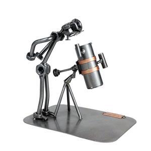 """Modellino in dadi e bulloni """"l'astronomo e il suo telescopio"""""""