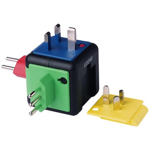 K+R SAFETY WORLD travel plug adapter set