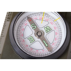 Levenhuk compass DC65