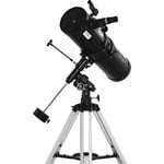 La montura EQ-3 está construida para compensar fácilmente la rotación de la tierra durante la observación.