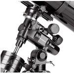 La montura AstroView EQ-3 mantiene firmemente el tubo. Además, mantiene los objetos centrados en el campo de visión.