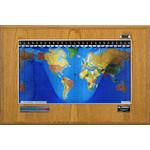 Geochron Boardroom de madera de roble color miel con marco plateado