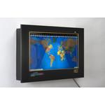 Geochron Original Kilburg wereldkaart, uitvoering in zwart geanodiseerd aluminium, met goudkleurige sierlijst (Engels)