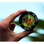 Vergütungsmuster im Vergleich: Fensterglas - ZEISS T-Einschichtvergütung - ZEISS T*-Mehrschichtvergütung (je 6 Linsen übereinander)