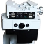 This mount offers power connections for cameras and other accessories directly on the telescope mount (sattel plate).