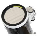 O filtro solar Omegon é encaixado no telescópio desta forma. Agora, está pronto para a observação solar.