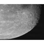 Cratère lunaire Alphonse (ci-dessous) et Arzachel (ci-dessus) avec le mur droit (à droite) dans la mer des Nuées. Photographié avec une caméra ToupTek.