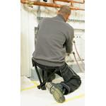 Sie können den Walkstool auch mit eingefahrenen Beinen verwenden, z.B. bei bodennahen Arbeiten.