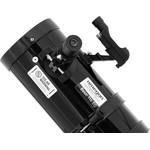 Cautatorul cu punct rosu ajuta la orientarea corecta a telescopului. Focuserul 1,25'' permite utilizarea ocularelor standard.