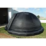 Kopuła planetarium od zewnątrz: materiał PVC o niskim współczynniku odbicia