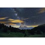 'Saslong Night' - Sassolungo da Col Raiser, Italia. Imagine composita cu expunere 2x300 secunde la ISO 800 (1x sky, 1x pamant), luata cu camera Canon 5D3 si obiectiv Canon 16-35 f/2.8. Fotografie:  Cristian Fattinnanzi.