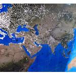 La modalità notturna mostra le aree illuminate della Terra.