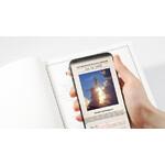 Das Notizbuch ist verknüpft mit zusätzlichen Informationen über den Weltraum per Augmented Reality