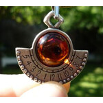 With this special pendant, the time