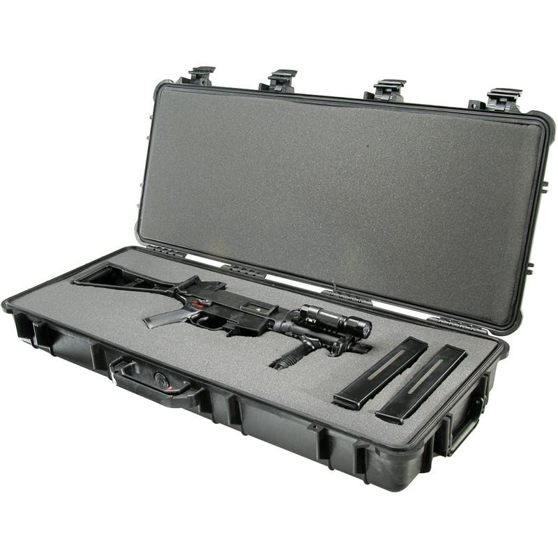 PELI Valise M1700 noire sur roulettes, avec mousse